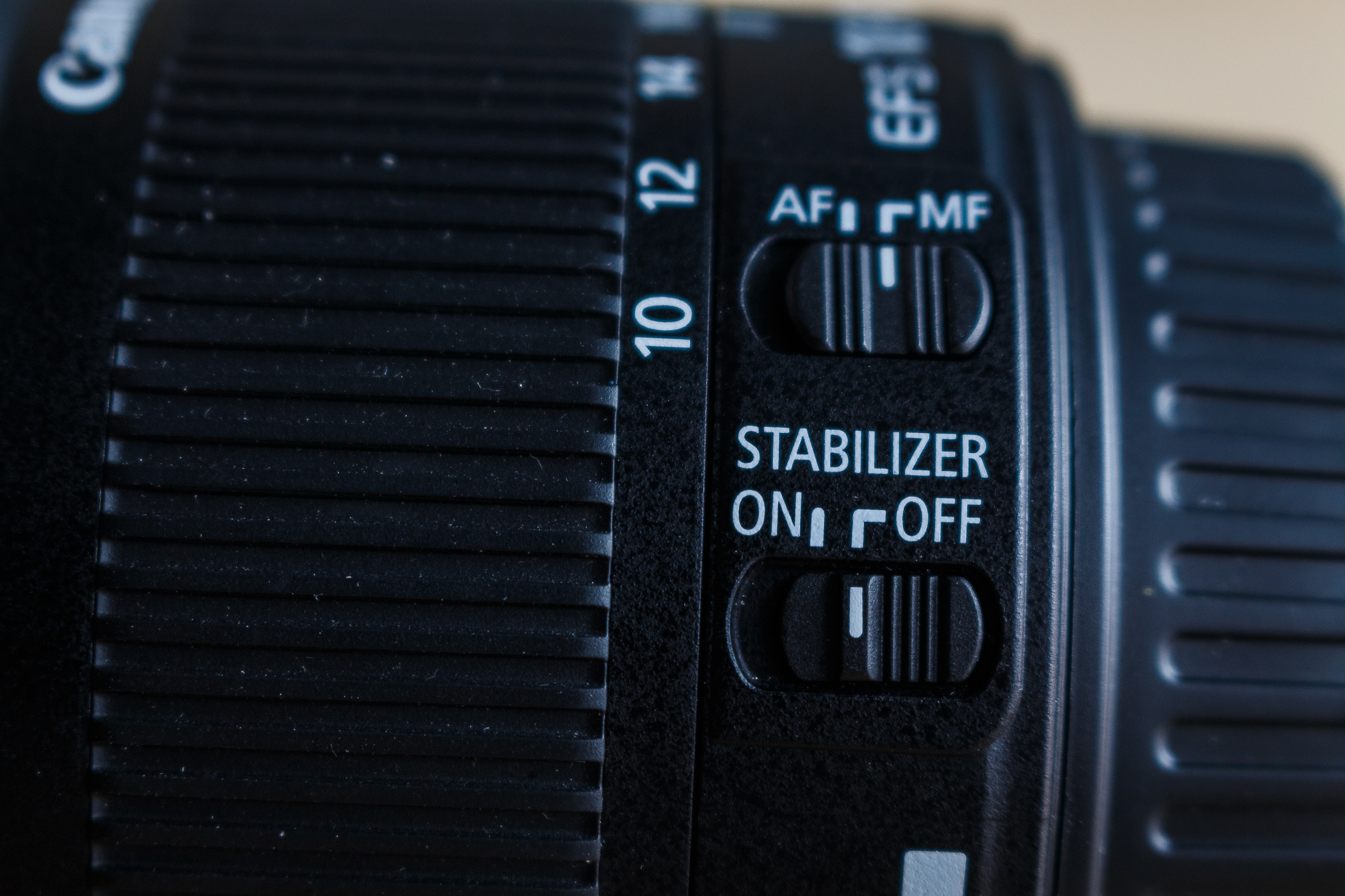 Ist ein Bildstabilisator vorhanden, lässt sich dieser auch abschalten