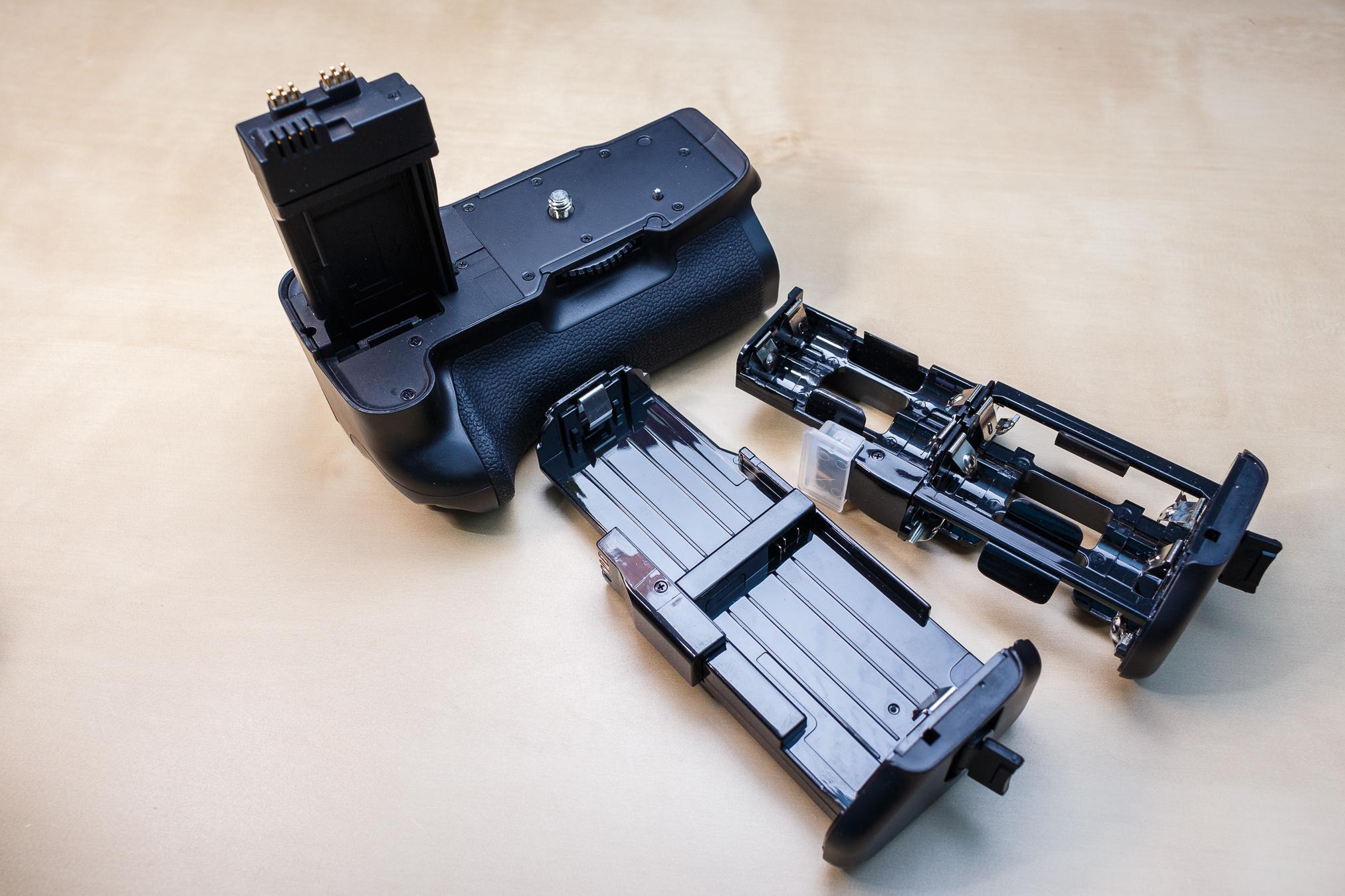 Batteriegriffe bieten die Möglichkeit, die Kamera mit normalen Batterien zu betreiben