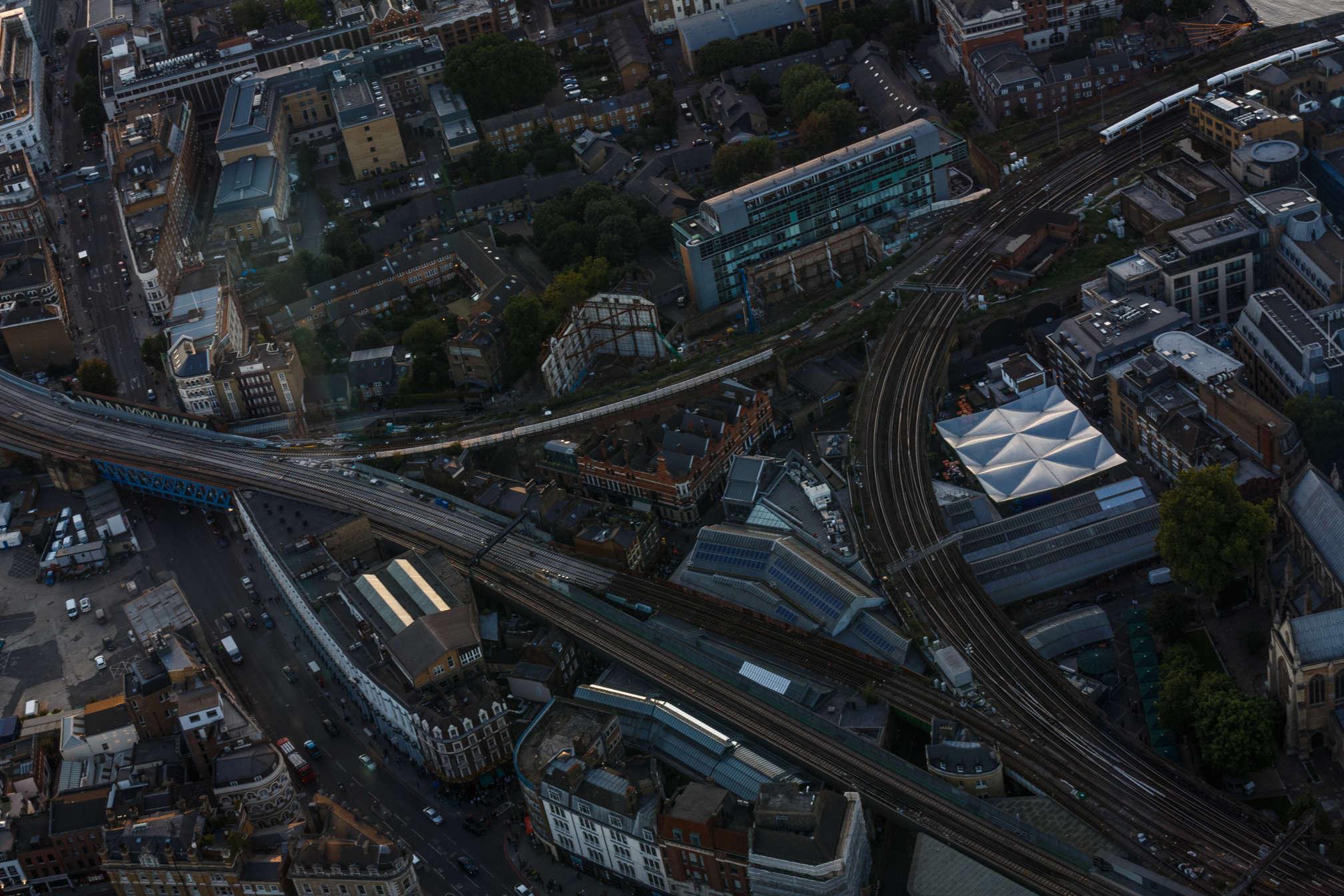 Von oben wirken Städte wie Modellanlagen