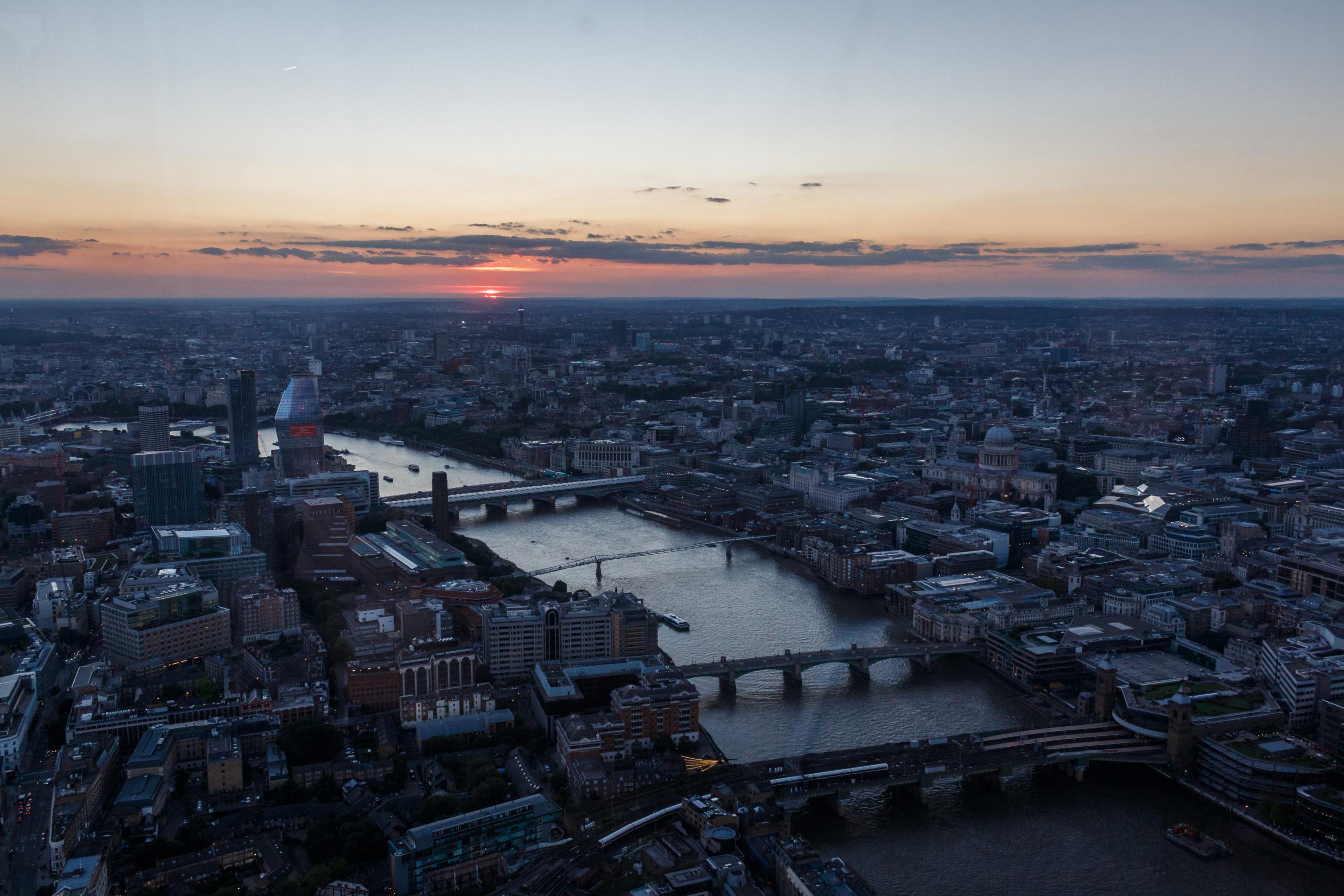 Der Sonnenuntergang über London