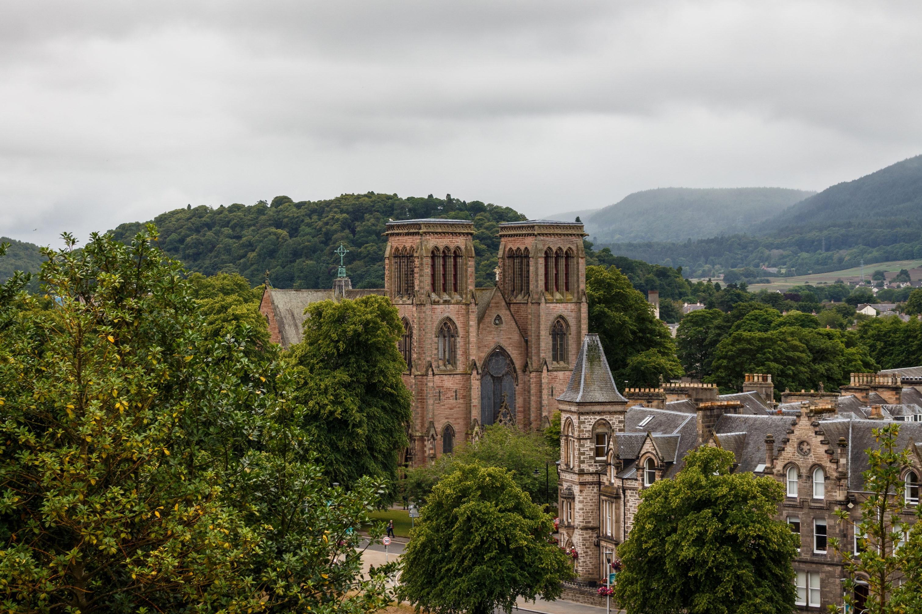 Die Cathedral Church of Saint Andrew erinnert leicht an den Notre-Dame