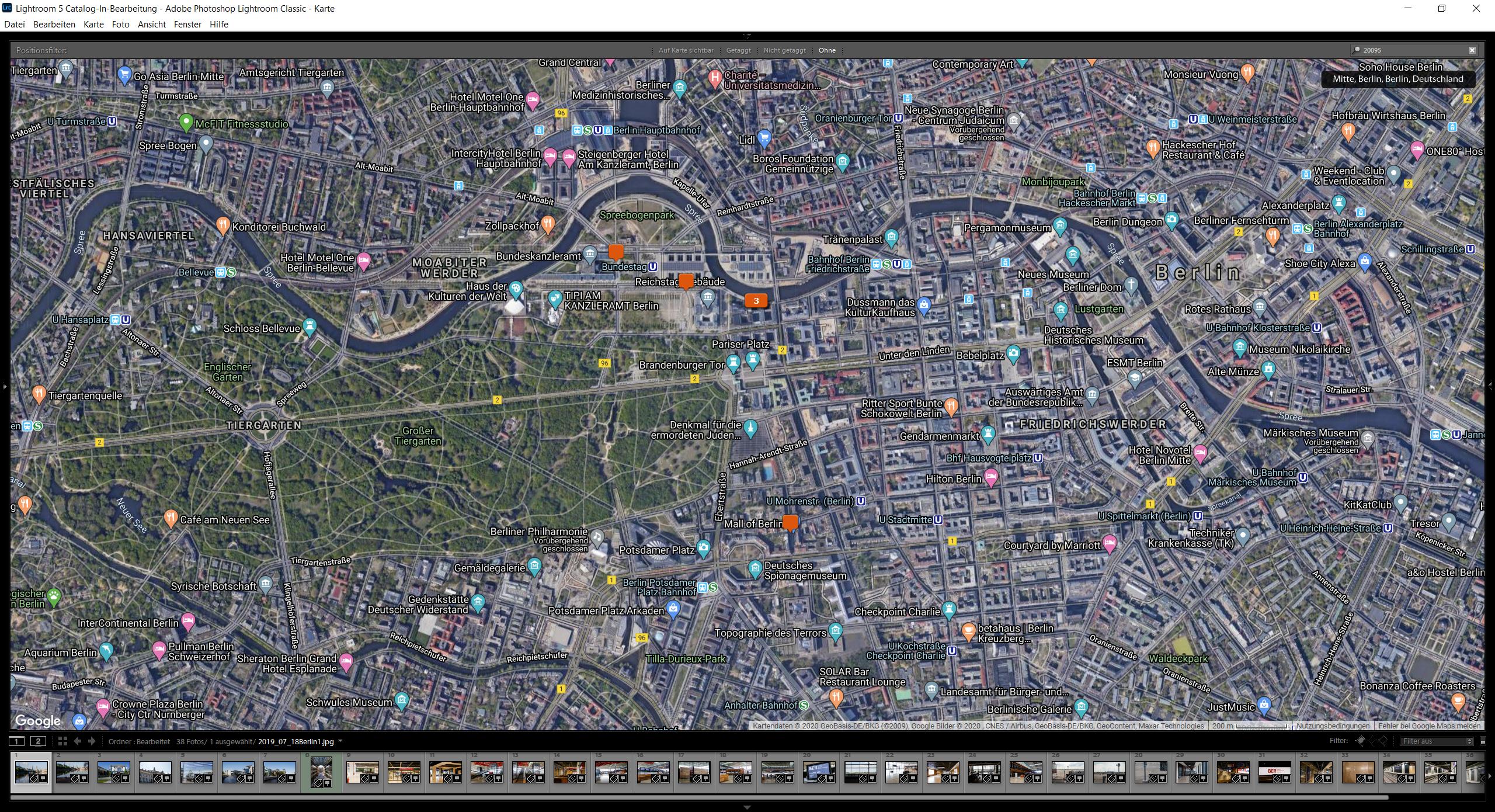 Berlin-Mitte im Kartenmodul von Lightroom mit verschiedenen Aufnahmeorten in orange